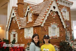 Disney Grand Floridian Gingerbread House at Christmas Time 2008
