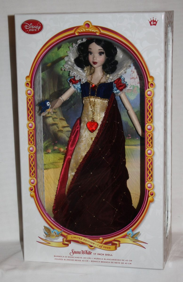 Snow White Deluxe Limited Edition Disney Doll